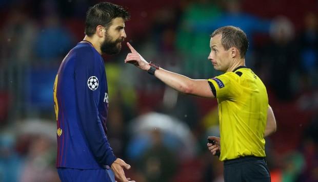 En la UEFA también hay doble rasero: Piqué provocó la amarilla y se fue de rositas