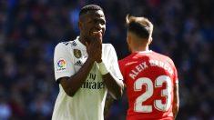 Vinicius se lamenta durante el Real Madrid-Girona de la jornada 24 de Liga Santander. (AFP)