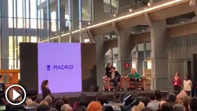 Carmena usa vídeos del Ayuntamiento pagados por los madrileños para impulsar sus mítines