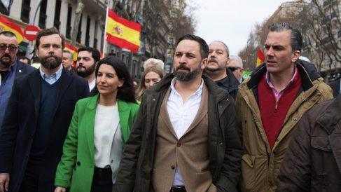Santiago Abascal junto a la cúpula de su partido. (Foto. Vox)