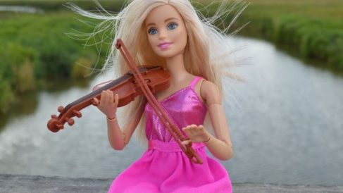 Esta muñeca fue creada por la empresa estadounidense de juguetes Mattel.