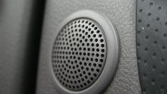 Cómo instalar altavoces en el coche paso a paso