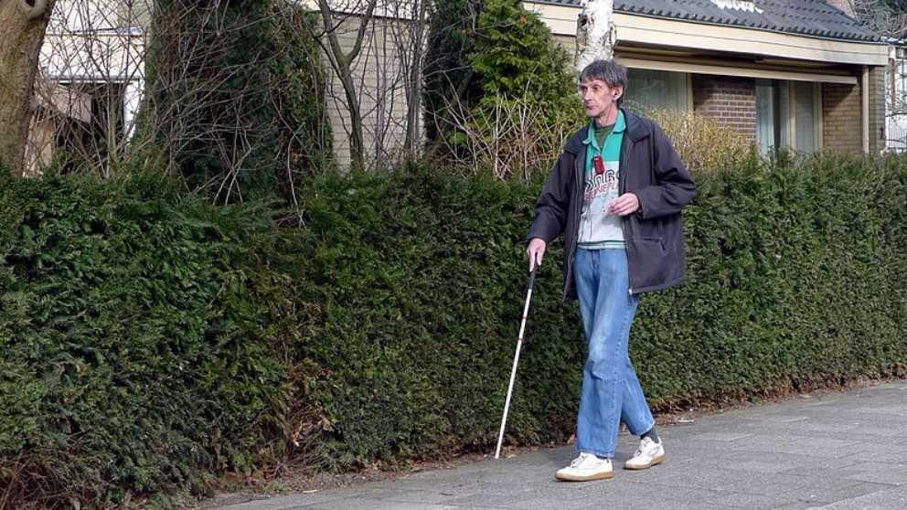 Conoce el significado del bastón para ciegos dependiendo del color