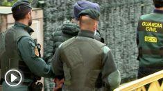 Momento de la detención del inductor al asesinato del concejal de Llanes.