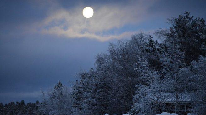 Superluna febrero hora y donde ver