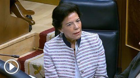 Isabel Celaá en el Congreso.