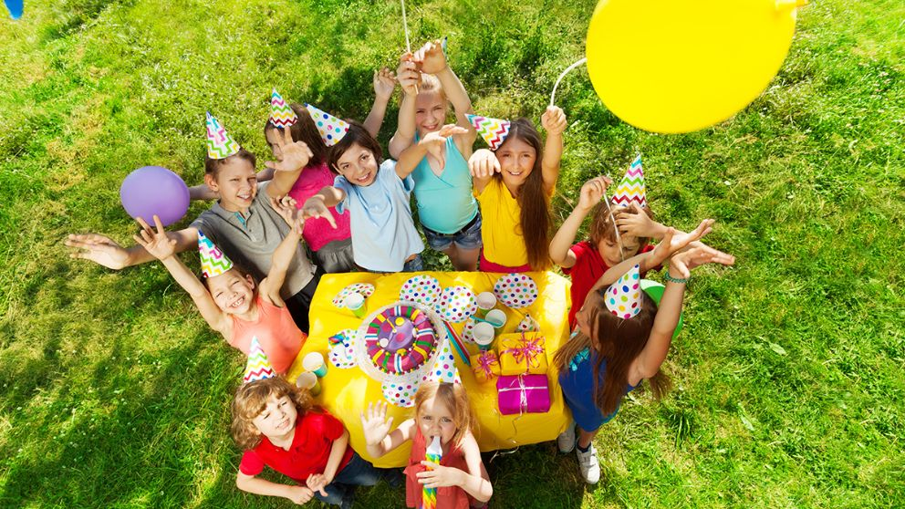 Todos los pasos para hacer una fiesta de cumpleaños al aire libre