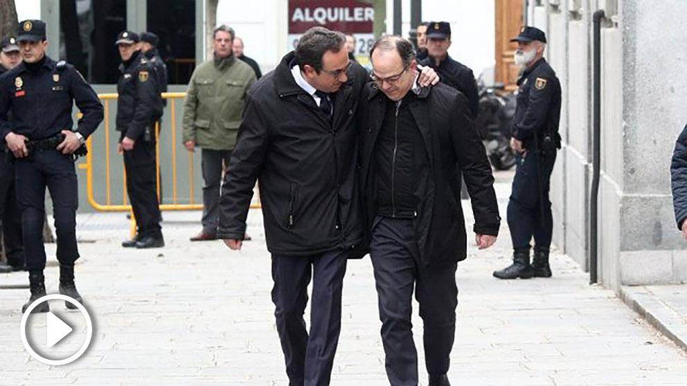 Los ex consejeros golpistas Josep Rull y Jordi Turull, camino del Tribunal Supremo. (EP)