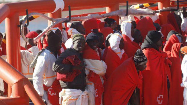 Salvamento Marítimo y Guardia Civil no dan abasto: llegan 228 inmigrantes a Almería ¡sólo este fin de semana!