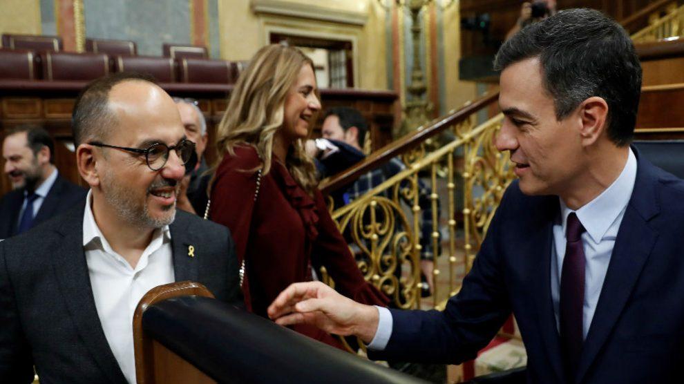 Pedro Sánchez y Carles Campuzano (PDeCAT), en el Congreso.
