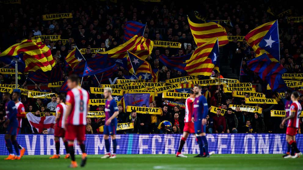 Esteladas en el Camp Nou en el Barcelona-Girona. (Getty)