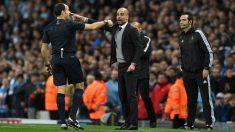 Guardiola tuvo un enfrentamiento con Mateu Lahoz la temporada pasada en un City-Liverpool. (Getty)
