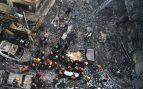 Al menos 40 muertos y 55 heridos en el incendio de una zona residencial en la capital de Blangladesh