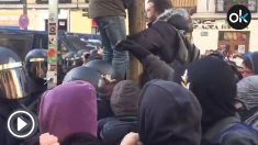 Cargas en el desalojo de los okupas de Argomusa respaldados por Podemos