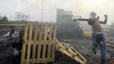 Disturbios en la frontera de Venezuela con Colombia. Foto: AFP