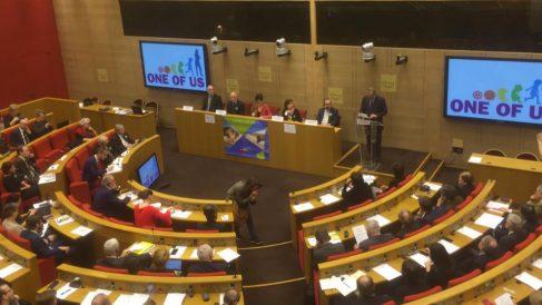 Jaime Mayor Oreja, durante la presentación de One of Us en el Senado francés.