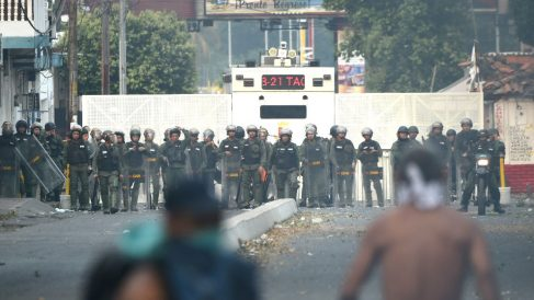 Fuerzas de Maduro en la frontera con Colombia (Foto: AFP).