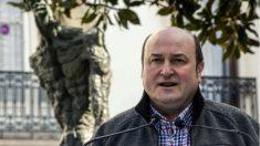 El presidente del PNV, Andoni Ortuzar, en un acto celebrado este domingo en Vitoria. (Foto: EFE)