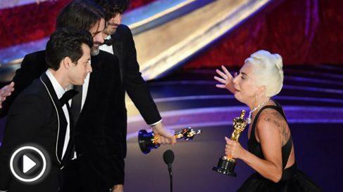 Lady Gaga y Mark Ronson recogiendo el Oscar a mejor canción por 'Shallow' de 'Ha nacido una estrella'. Foto: AFP