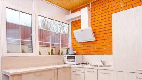 El microondas es un electrodoméstico cotidiano que solemos utilizar a diario.
