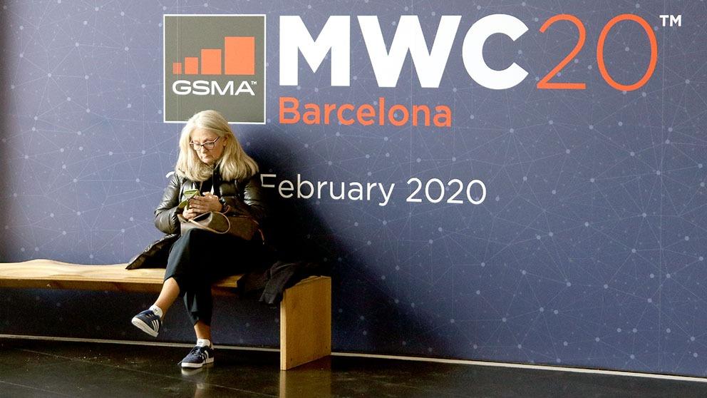 Una mujer en el MWC.  Enrique Falcon / OKDIARIO
