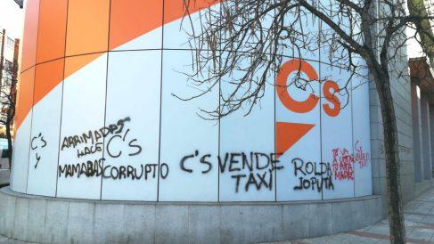 Pintadas en la sede nacional de Ciudadanos en Madrid