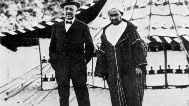 El magnate vasco Horacio Echevarrieta con Abd el-Krim.