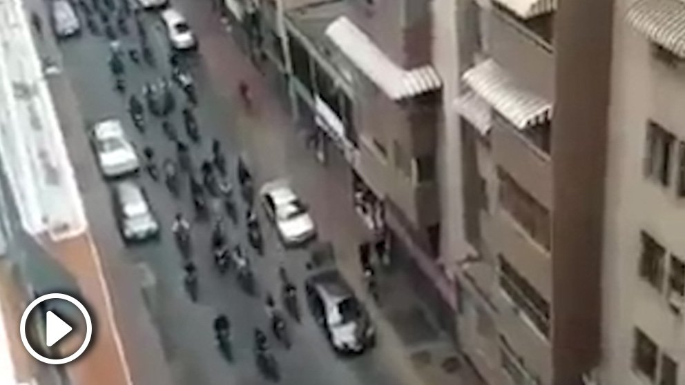 Los matones de Maduro por las calles de Caracas.