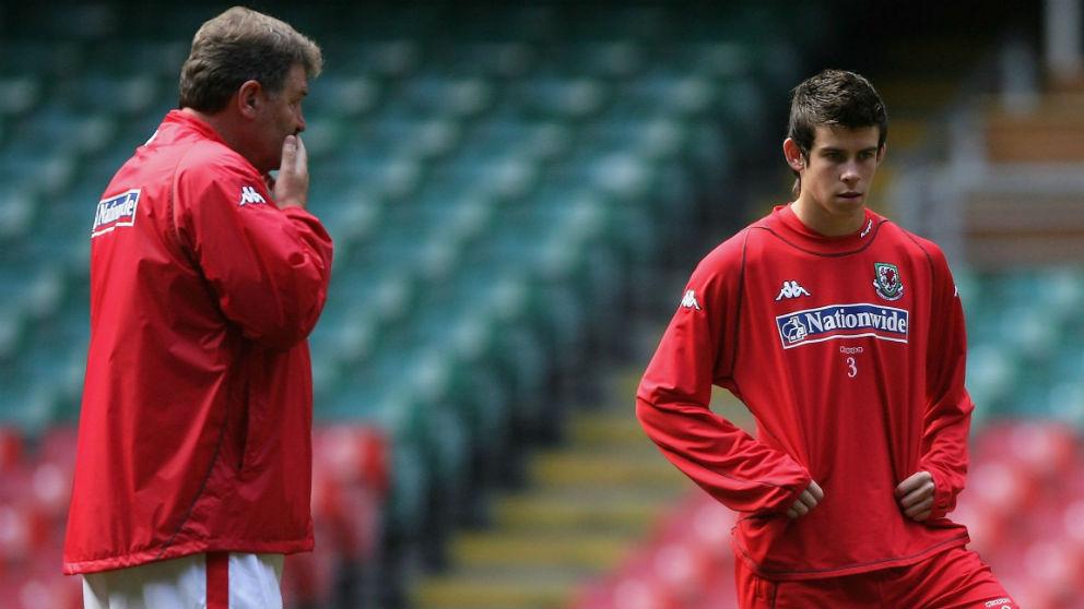John Benjamin Toshack y Gareth Bale. (Getty)