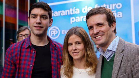 Beatriz Fanjul junto a Pablo Casado.