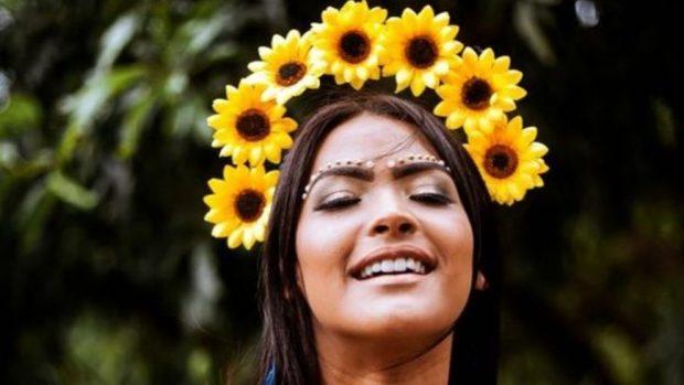 Cómo hacer un disfraz de flor casero