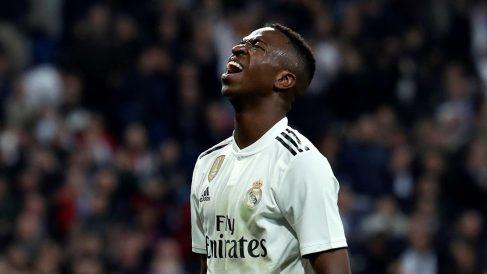 Vinicius se lamenta de una ocasión ante el Barcelona (EFE).