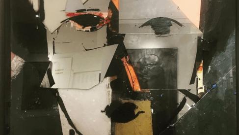 'Ocre, blanco, naranja y espejo' (NY, 2018) de Manolo Valdés. Foto. María Villardón.