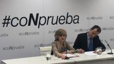 La ministra de Sanidad, María Luisa Carcedo, y el ministro de Ciencia, Pedro Duque, durante la presentación de la campaña '#CoNprueba'. Foto: Europa Press