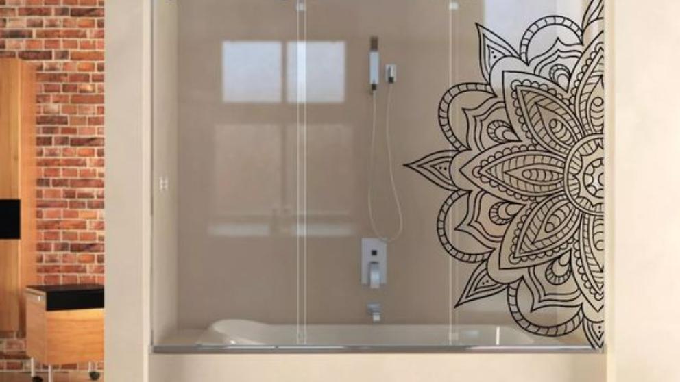 Cómo decorar la mampara del baño