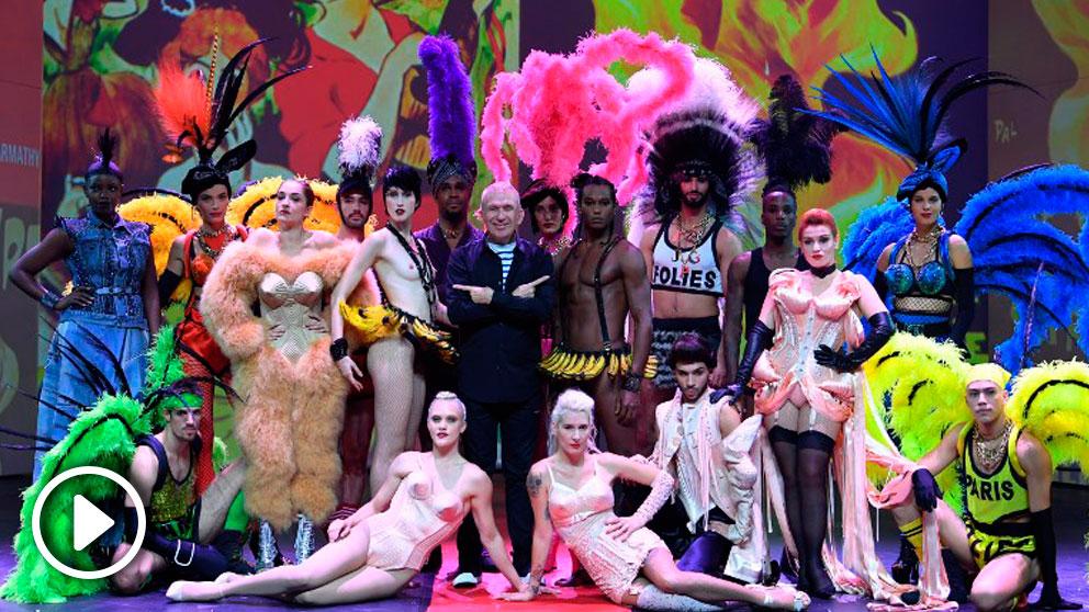El espectáculo musical 'Fashion Freak Show' es uno de los mayores éxitos de la temporada cultural en París. Expone el recorrido artístico y personal de Gaultier. Foto: AFP