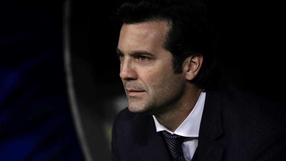 Solari, durante un partido del Real Madrid. (AFP)