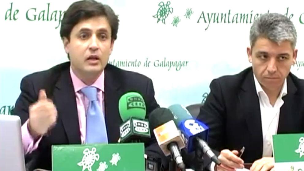 El alcalde de Galapagar, Daniel Pérez, y su ex concejal de Hacienda, Fernando Arias.