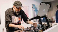 Un DJ