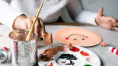 Pasos para hacer manualidades infantiles con papel de cocina