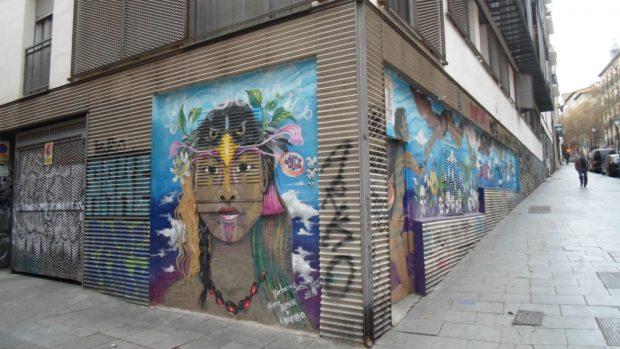 Exterior del centro 'Eskalera Karakola' en la calle Embajadores de Madrid. (Foto: Segundo Sanz)