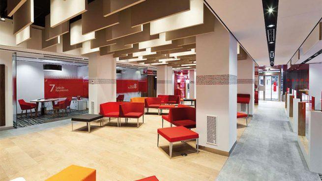 Banco Santander Cierra 480 Oficinas Mientras Implanta Su