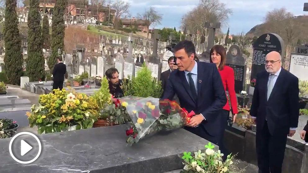 Pedro Sánchez rinde homenaje a Clara Campoamor en vísperas del 8 de marzo.