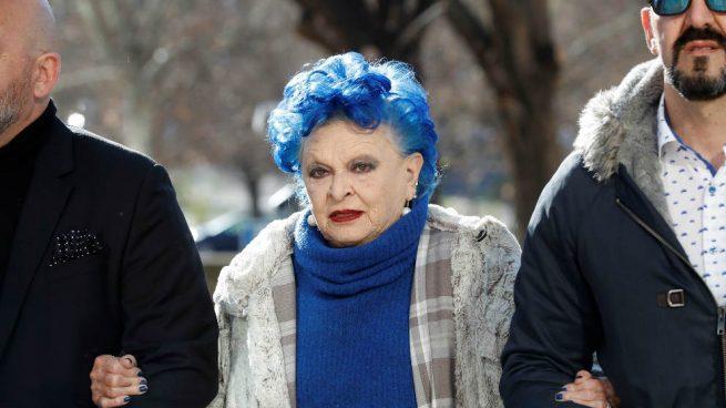 La fiscal pide dos años de cárcel a Lucía Bosé por apropiarse del Picasso de una de sus empleadas