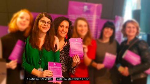 Arantxa Calvera y Amelia Martínez Lobo, asesoras de PSOE y Podemos en la Eurocámara y portavoces allí del movimiento Me Too. (Foto: @MeTooEP)