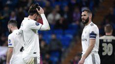 Los jugadores del Real Madrid se lamentan tras uno de los goles del Ajax (AFP).