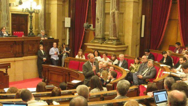 El Parlament crea una comisión de investigación sobre las actividades «irregulares» de la Monarquía