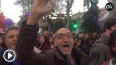 Intento de agresión a OKDIARIO en la manifestación feminista de Madrid