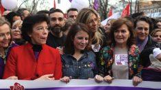 Begoña Gómez y las ministas de Pedro Sánchez. (Foto. PSOE)