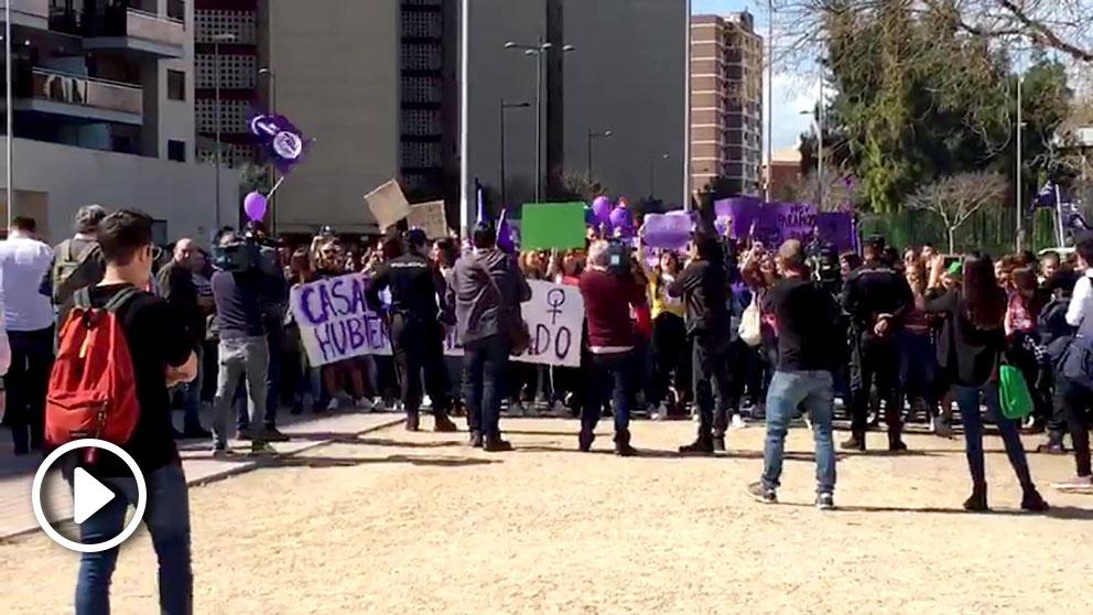 Escrache a Pablo Casado en Castellón co motivo de la huelga feminista del 8M
